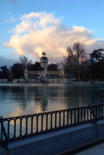 Had to snap a quick picture during my run at Parque de el Retiro.