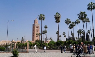 A private mosque tower located in the big city of Marrakesh, where only muslims are allowed to enter and pray. We learned that muslims pray five times a day.
