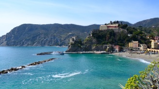In Cinque Terre, we decided to do the famous hike between Monterosso and Vernazza, starting here in Monterosso.